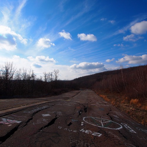 Abandoned Buildings In Centralia Pa: This Is The Abandoned Route 61 That Runs
