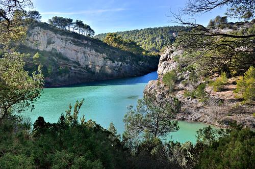 Lac zola sainte victoire bouches du rh ne charlotte for Aix carrelage le tholonet