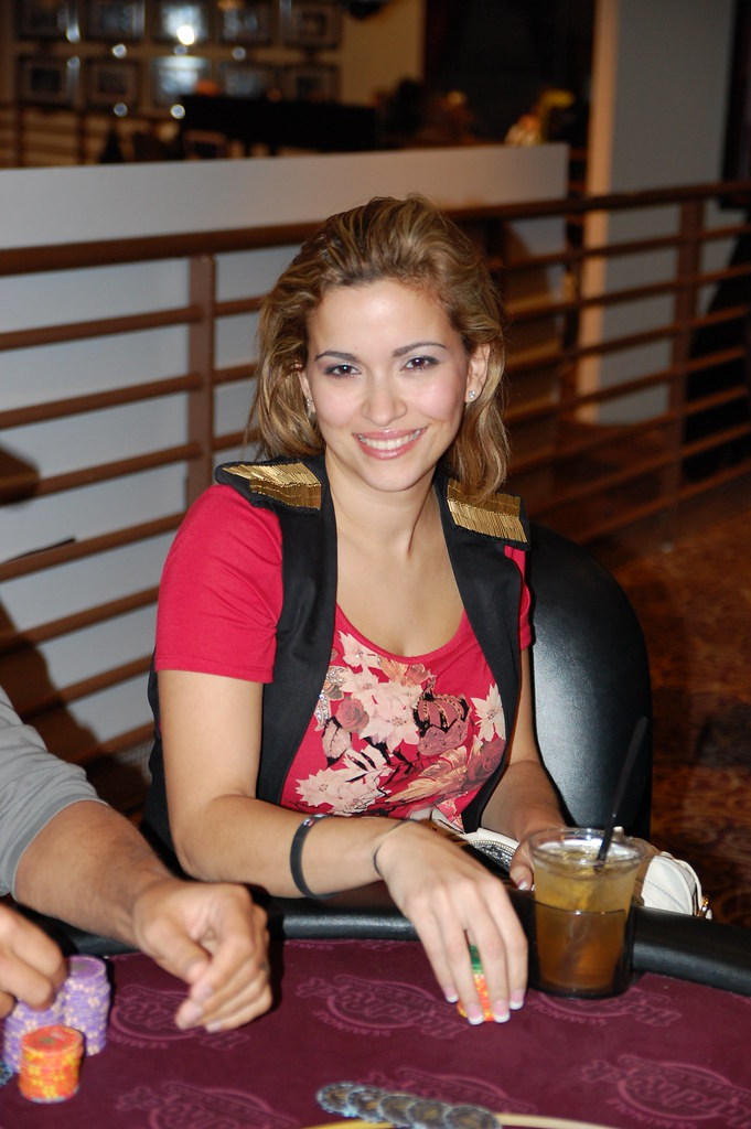 Lily mizrachi poker joy7108 poker