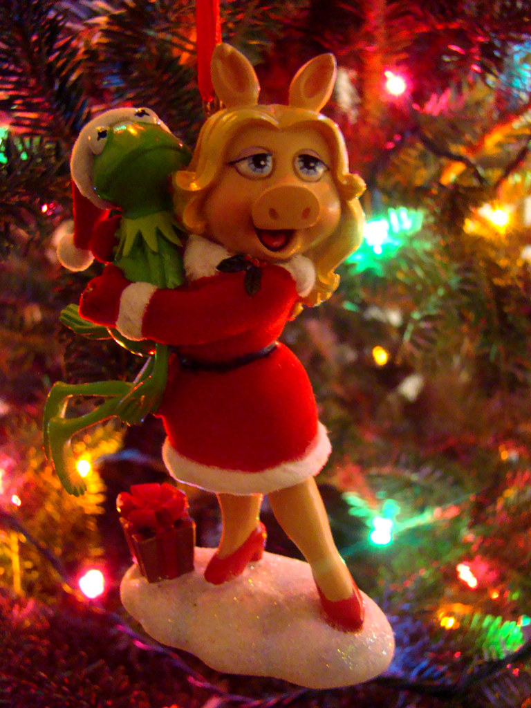 Kermit & Miss Piggy - The Muppets Christmas ornament | Flickr