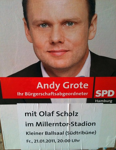 Andy Grote mit Olaf Scholz im Millerntor | by ring2
