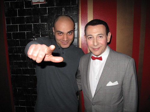@1LX with @PeeweeHerman last night, thanks to @MattHurst for the photo and to @DevinTrix for taking me there :-) | by guruofsales