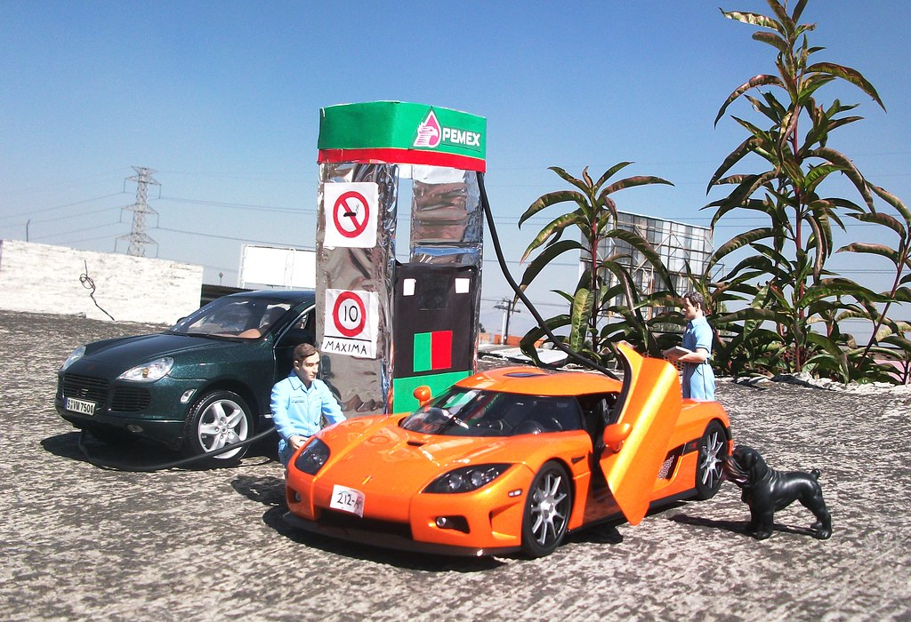 2006 Koenigsegg Ccx Even That Dog Seems Interested In It