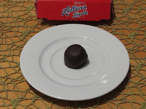 Hallorenkugel (als Nachtisch bei DDR Menü)
