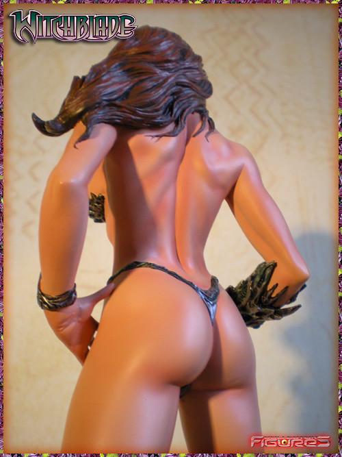 Armor bikini witchblade statue