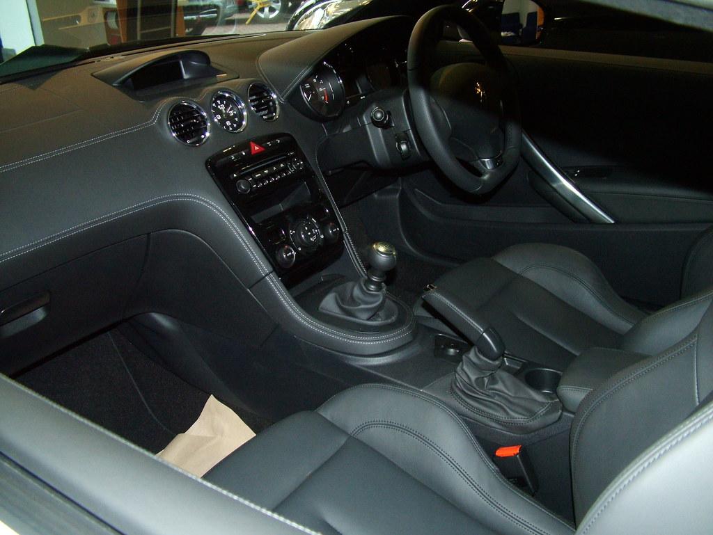 RCZ interior | 2011 Peugeot RCZ interior | kenjonbro | Flickr