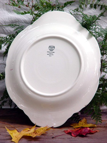Rose Garland Scalloped Platter By Edwin Knowles | by SurrendrDorothy
