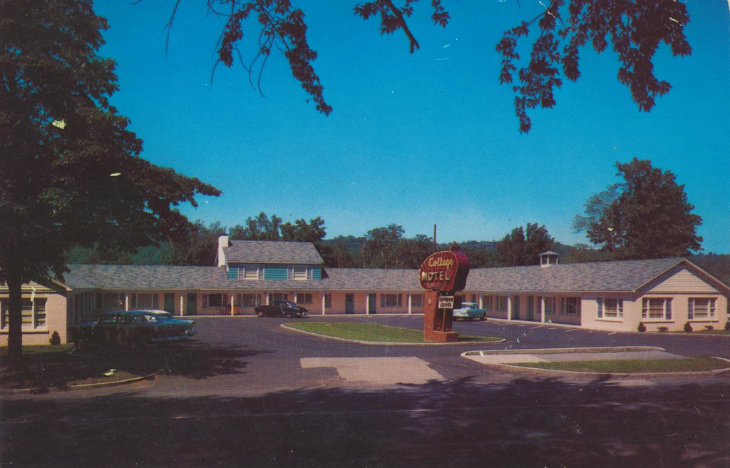 College Motel - Houghton, Michigan
