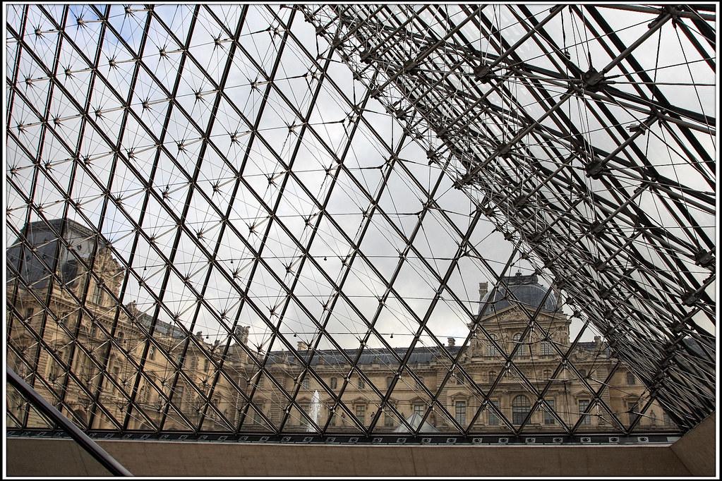 paris pyramide du louvre de lintrieur from the inside