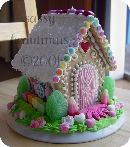 Valentine's Day Sugar Cookie House | by sassybeautimus - The Gingerbread Journal