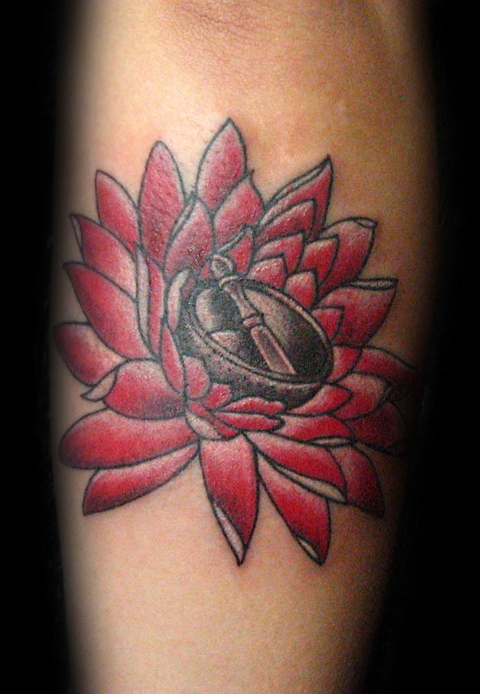 Tatuaje Flor De Loto Pupa Tattoo Grannada Pupa Tattoo Art Flickr