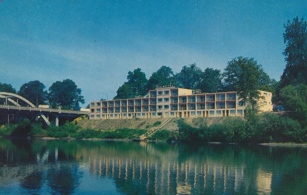 Riverside Motel - Grants Pass, Oregon