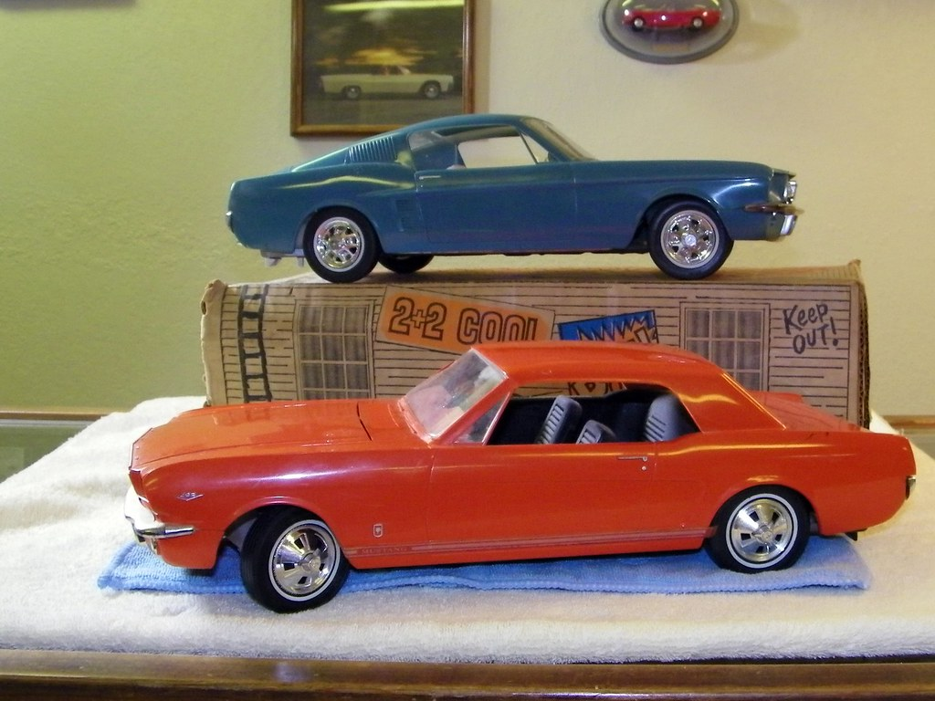 1966 qnd 1967 Ford Mustang Large Scale Promo Model Cars | Flickr