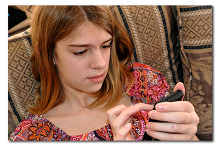Tween Cell Phone Texting | by GoodNCrazy
