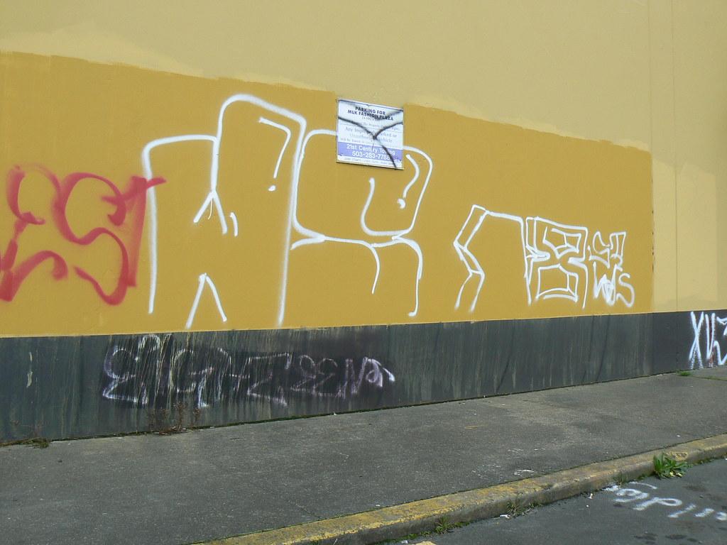 W/S 18TH STREET- TINY LOCOS | Portland, Oregon. | Brad | Flickr