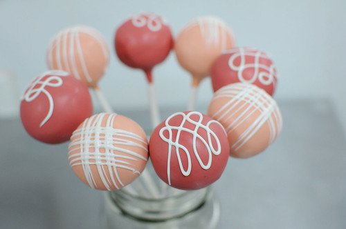 peach fine cross + blush loops | by Sweet Lauren Cakes