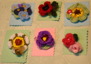 Flores amigurumi, broches. | by dmmalva