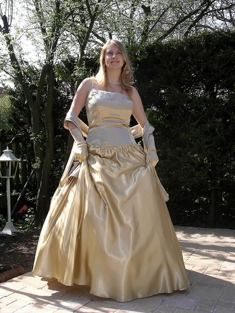 Graceful feminine walking | Walking in a long skirt gown is