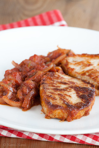 Braised pork chops with stewed tomato / Siga tomatises kastmes | by Pille - Nami-nami