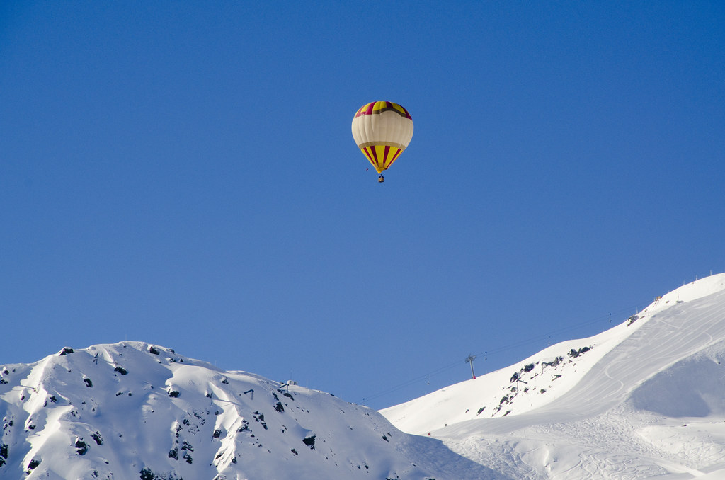 Hot air balloon over Courchevel