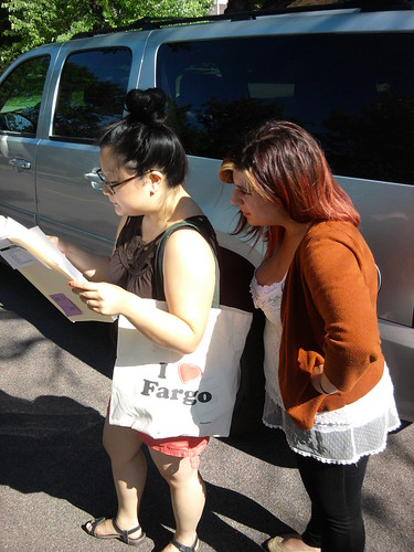 Jen and Karen Canvassing | by naralprochoiceamerica