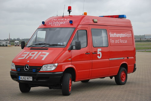 Hj52 nty mercedes benz sprinter 4x4 isu southampton airpor for Southampton mercedes benz