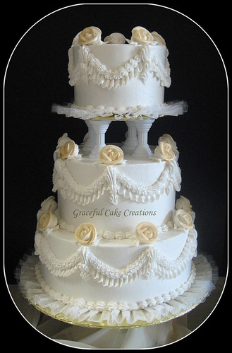 Golden Wedding Cake Isea