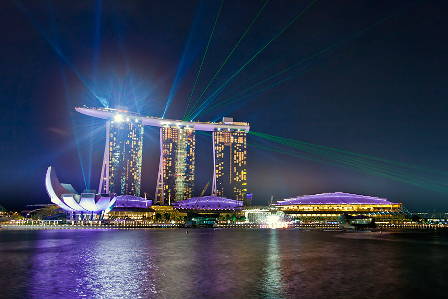 Watch the Magnificent Light and Water Show at Marina Bay Sands
