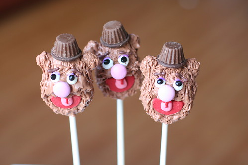 Fozzie Bear Cake Pops | by Sweet Lauren Cakes