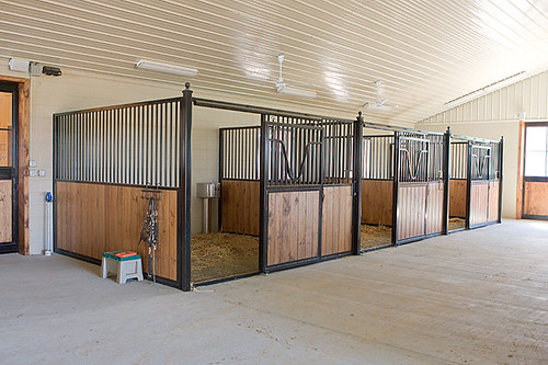 Amish built horse stall 12 39 x12 39 stall built by amish in for Four stall horse barn
