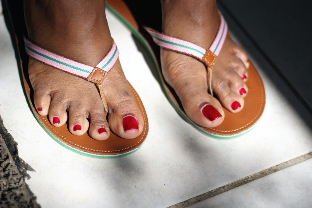 Sexy Red Toes Pics