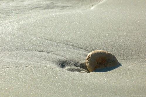 l 39 instant zen explore galet sur une plage de l 39 ile de flickr. Black Bedroom Furniture Sets. Home Design Ideas