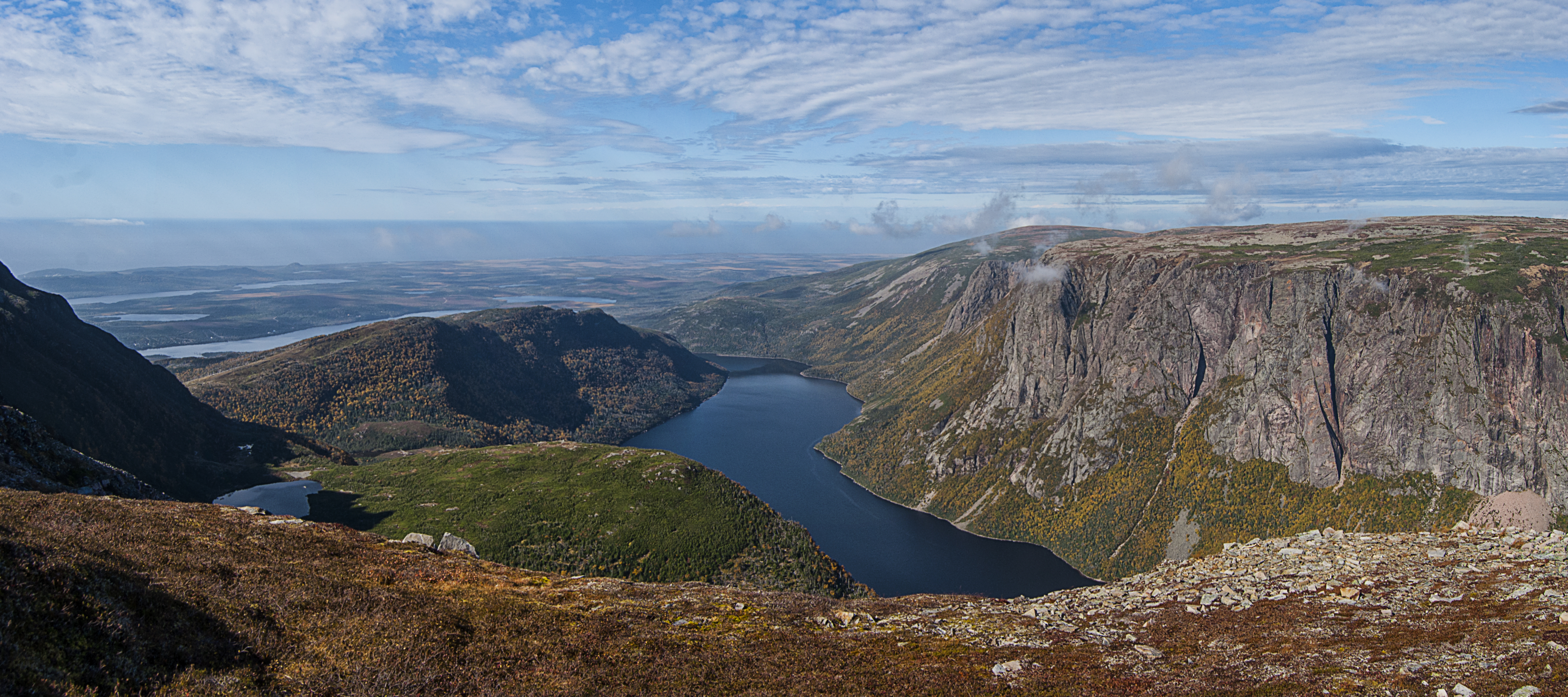 10_Mile_Pond_Gros_Morne_Panorama_13