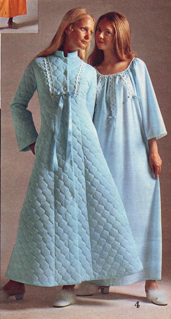 Spiegel 71 fw blue robe | jsbuttons | Flickr
