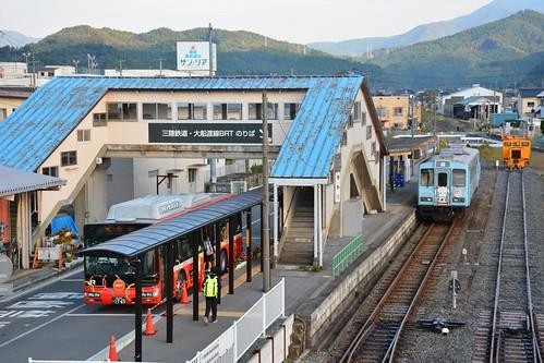 盛駅:大船渡BRTと三陸鉄道