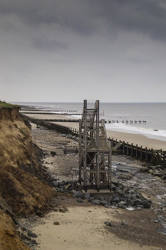 Stairway to beach, Happisburgh, Norfolk | by tadams4