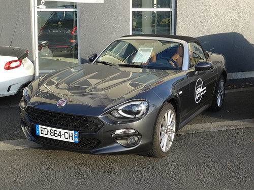 2016 fiat 124 spider this is the new fiat 124 spider it s flickr. Black Bedroom Furniture Sets. Home Design Ideas