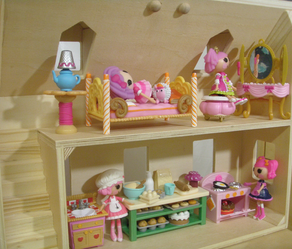 Lovely ... Melissa And Doug Dollhouse With Mini Lalaloopsy Dolls   By JaneCherie