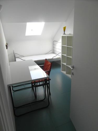 chambre sol en osb peint mobilier ik a jean jacques claes flickr. Black Bedroom Furniture Sets. Home Design Ideas