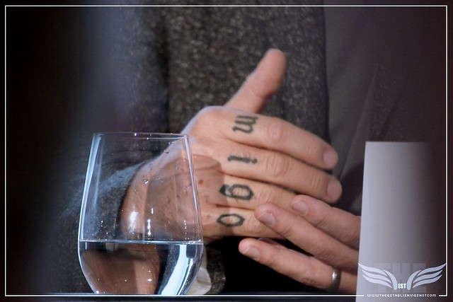 The Establishing Shot:  THE LIGHT BETWEEN OCEANS PRESS CONFERENCE - DIRECTOR DEREK CIANFRANCE KNUCKLE A-M-I-G-O TATTOO - CLARIDGE'S, LONDON