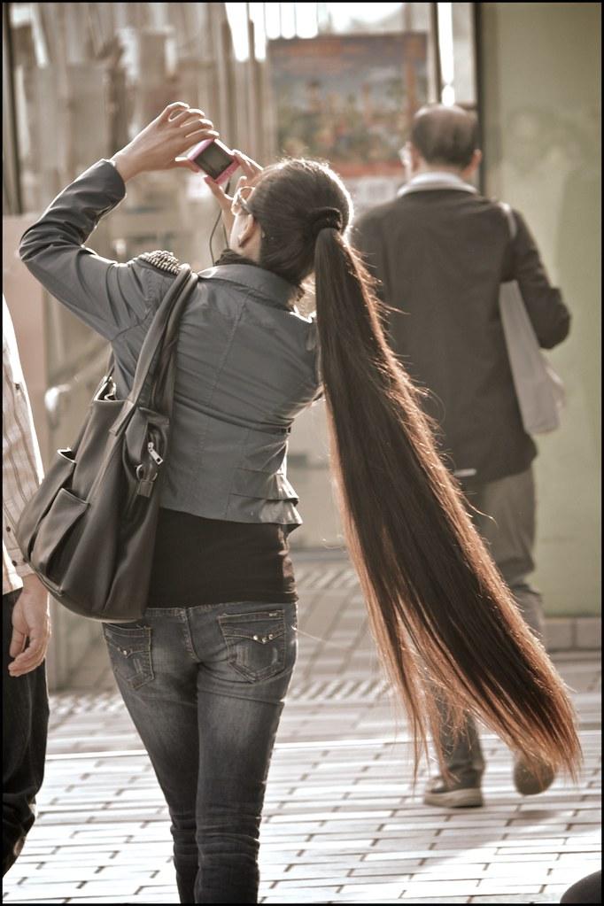 Long Hair Ponytail This Woman Was Walking In Tsim Sha Tsui Flickr
