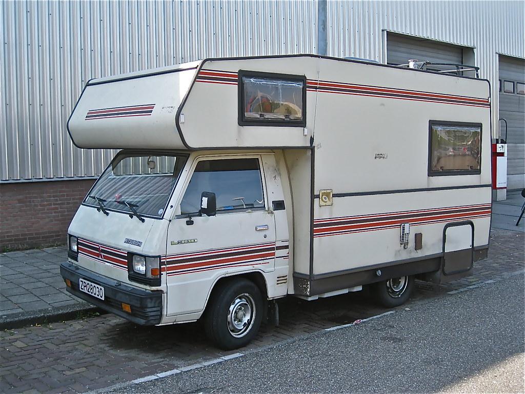 80s MITSUBISHI L300 Motorhome