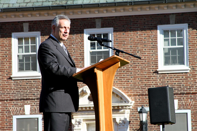 Assanis signs petition supporting undocumented students