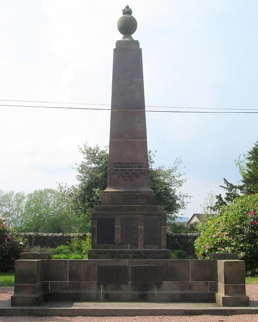 Milnathort War Memorial 2