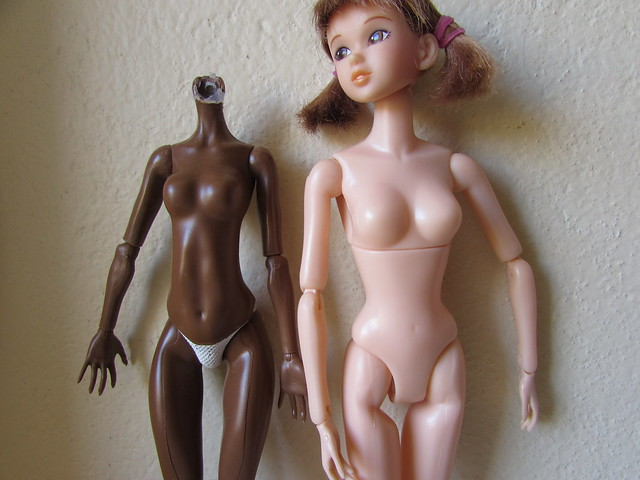 Comparaisons corps fashion dolls: images & liens 30581514176_7c24b1c498_z