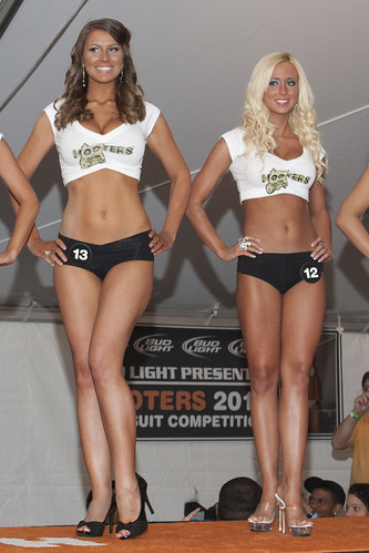 2012 Hooters Central Carolinas Swimsuit Contest | by Ardias