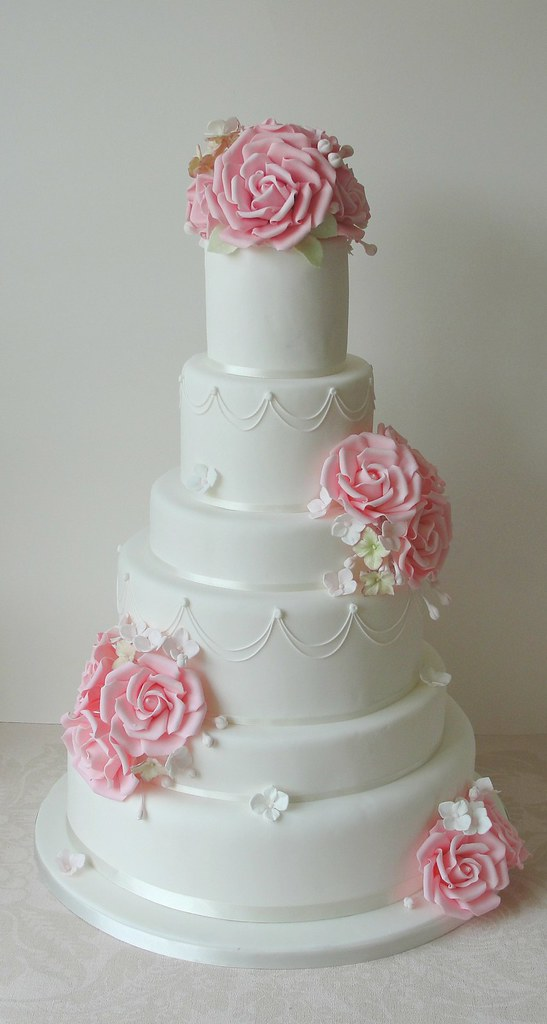 6 Tier Pink Roses Wedding Cake | Putting some of my new pipi… | Flickr