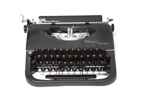 Oliver Courier portable typewriter | by shordzi