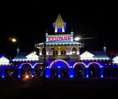 Ayo Wisata Ke KenPark | Kenjeran Park Di Pantai Ria Surabaya