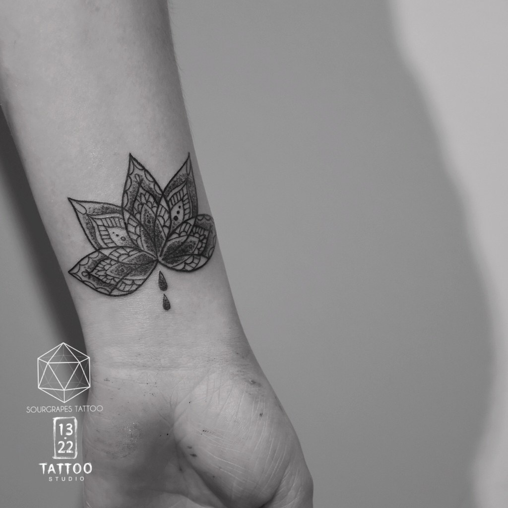 Mehndi Henna Style Lotus Tattoo Sourgrapes Tattoo 13 22 Ta Flickr
